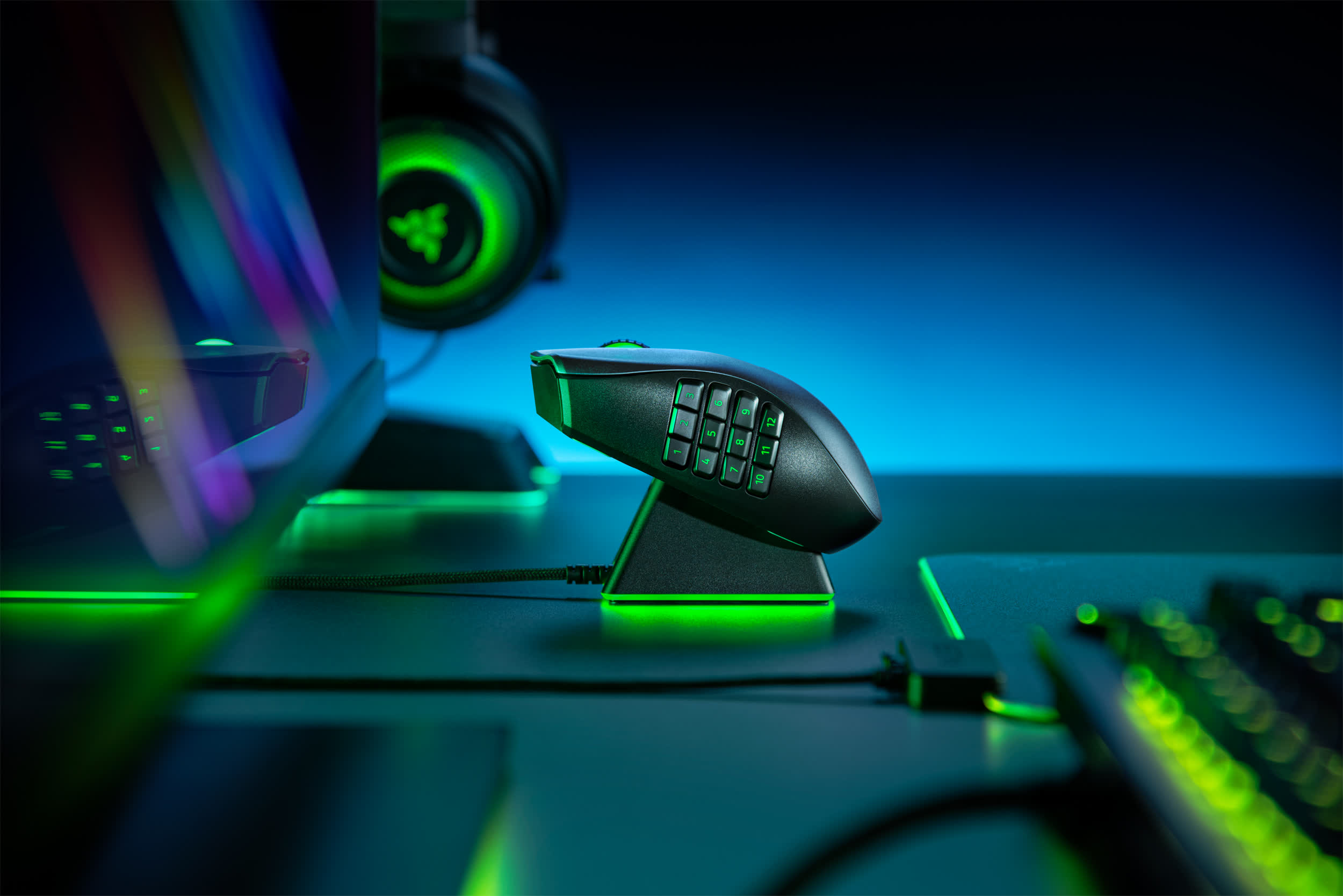 Razer's Naga Pro wireless gaming mouse can adapt to your play style