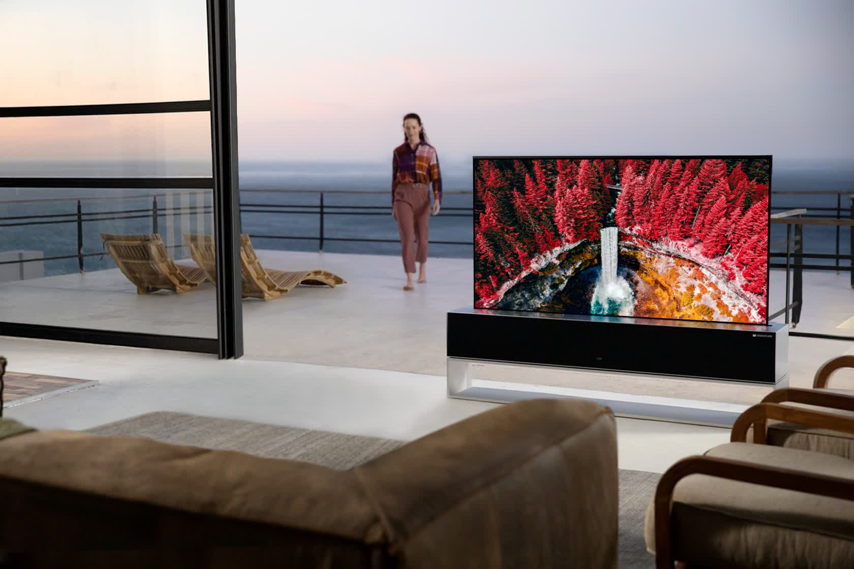 LG's rollable 4K OLED TV is arriving in the US with a $100,000 price tag