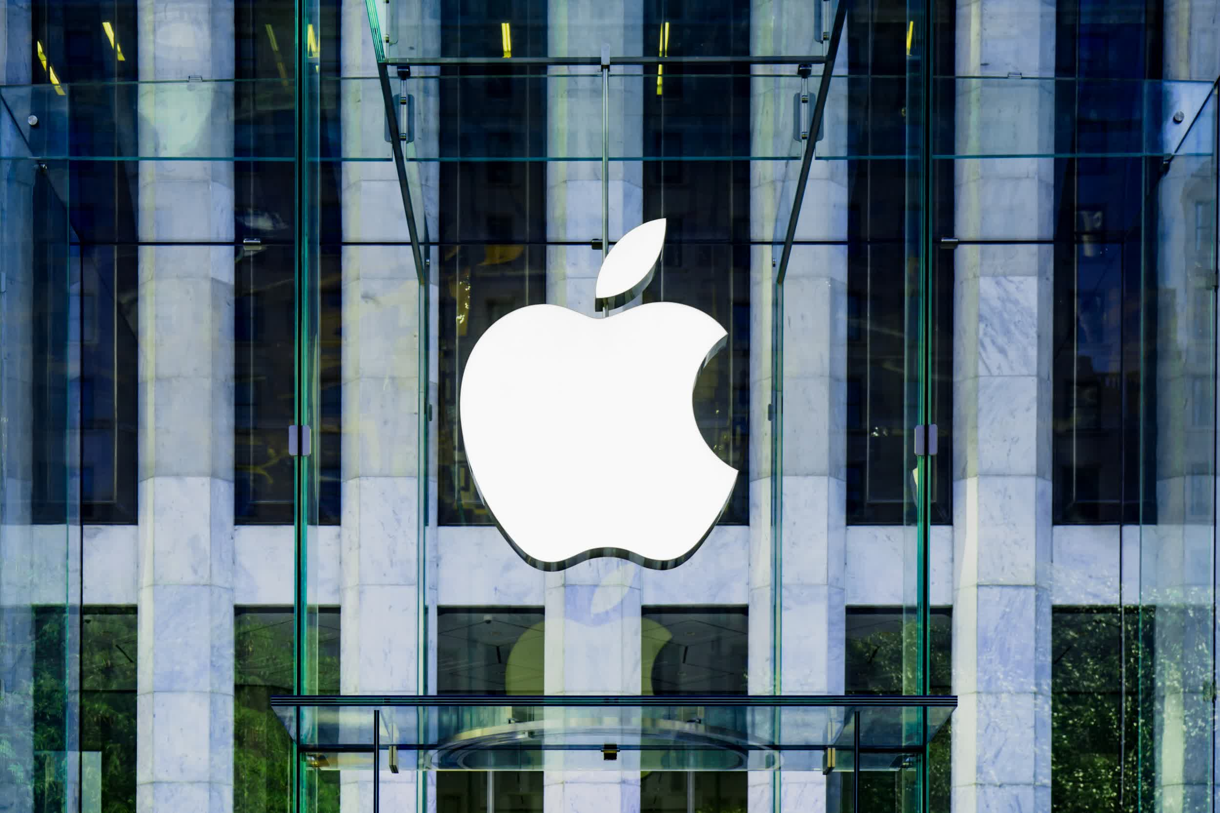 Apple has positioned itself for a colossal holiday quarter