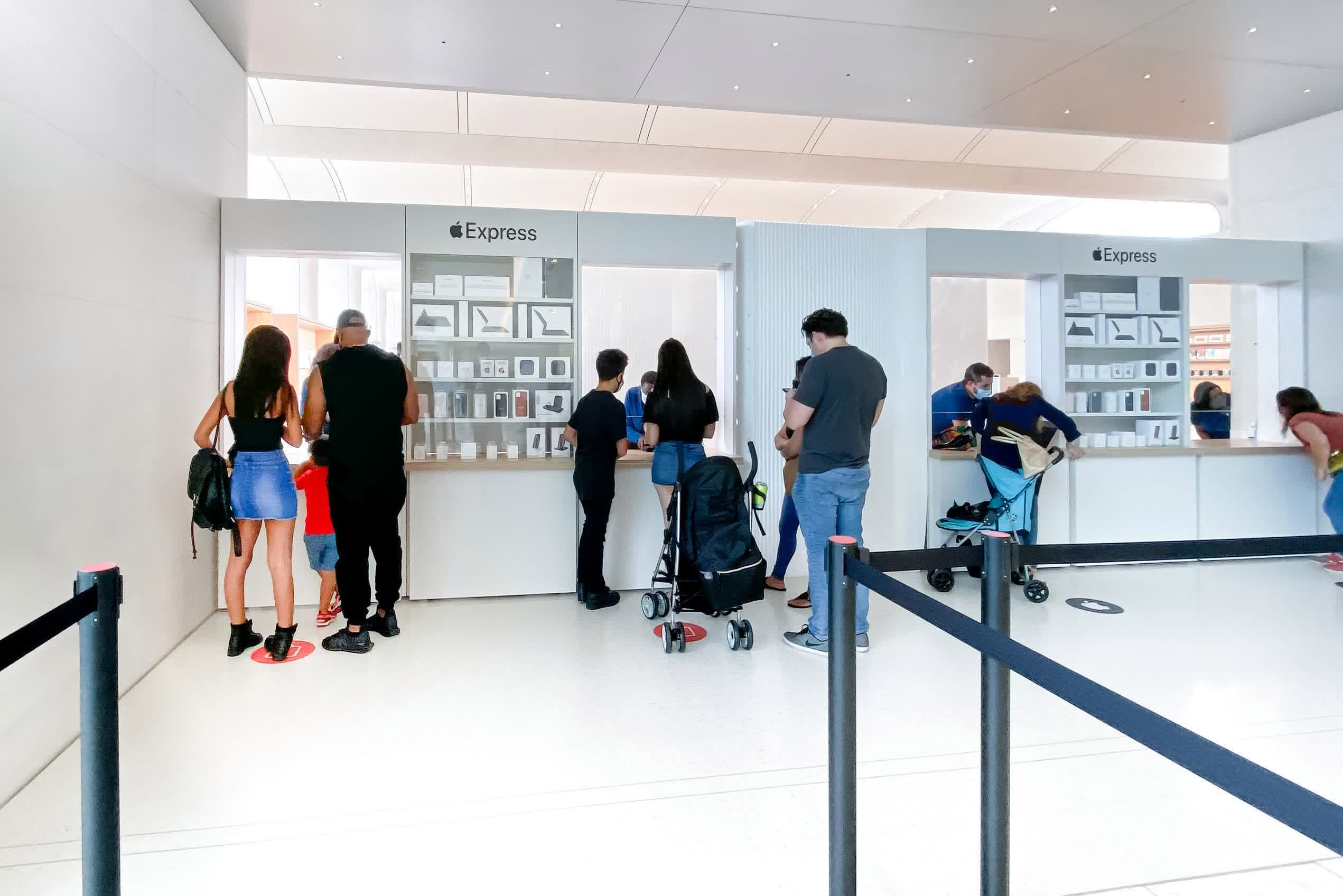 Apple stores switch to click-and-collect in England and France during new lockdowns