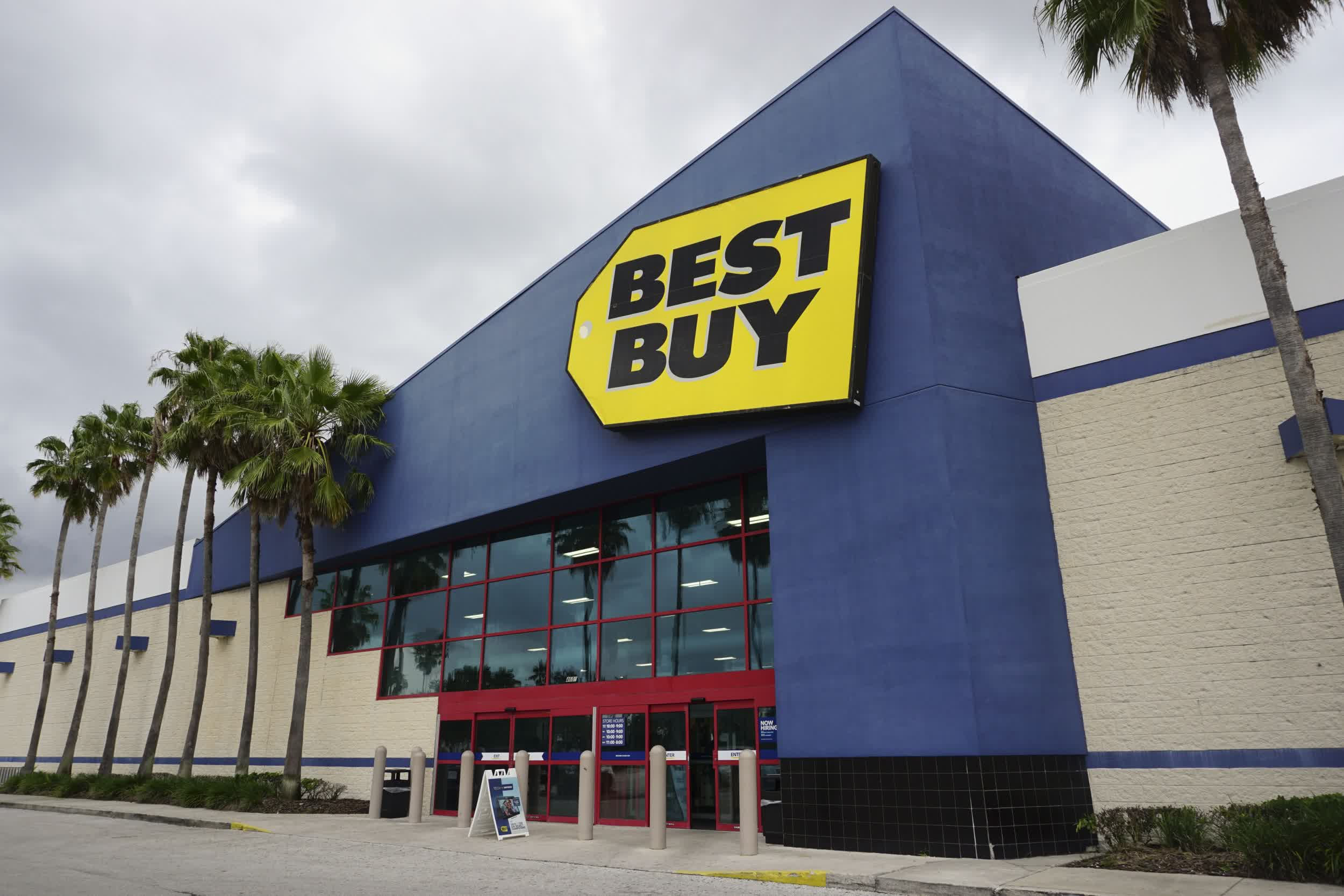 Best Buy: our stores won't have next-gen consoles to purchase throughout the holiday season