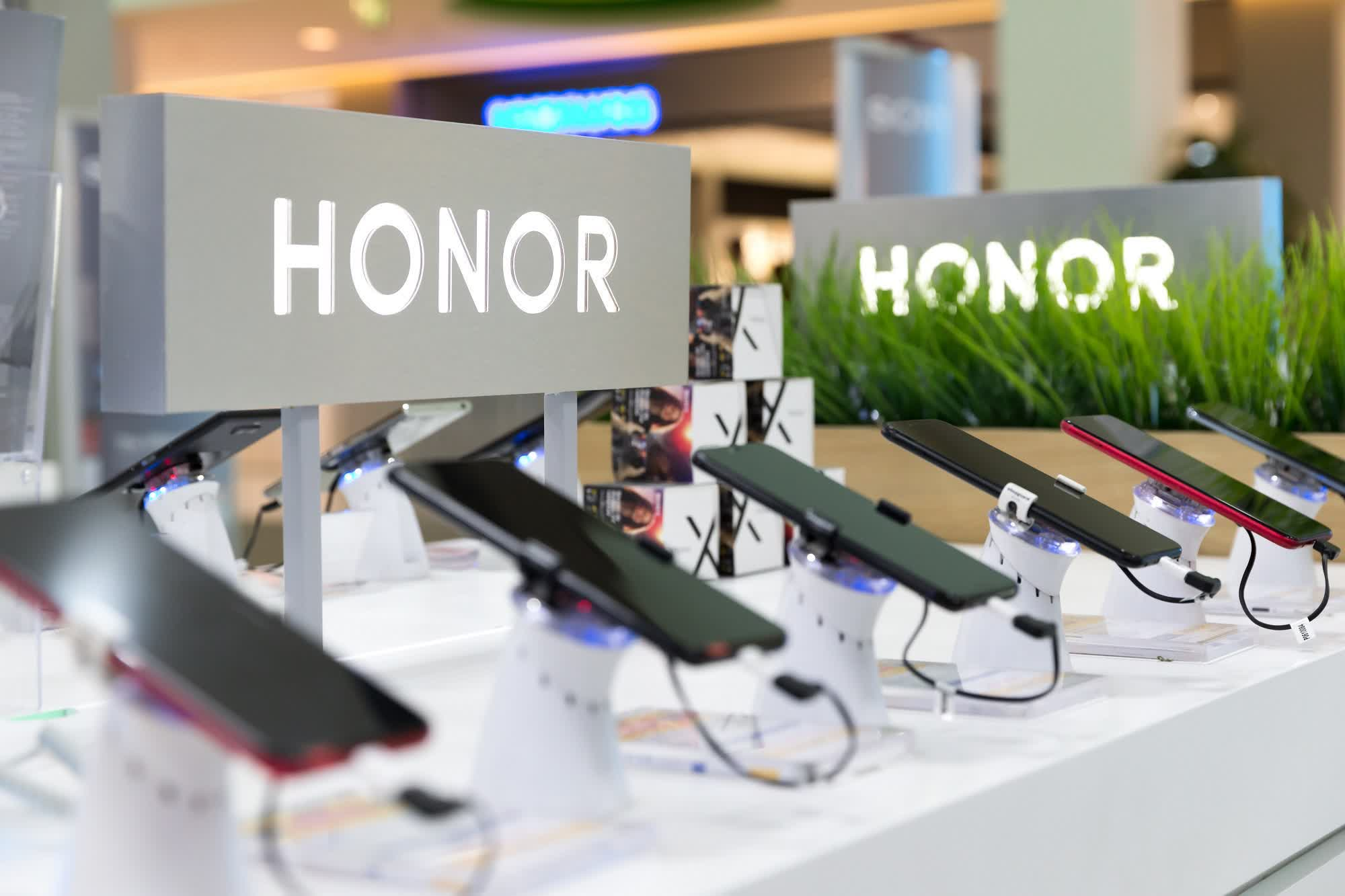 Report: Huawei is selling its Honor unit for over $15 billion