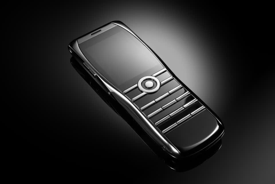 Former Vertu workers are releasing a new handset that costs almost $4,000