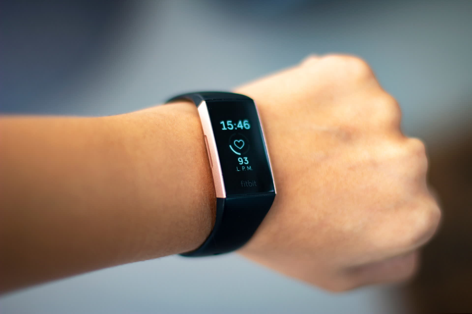 Google now owns Fitbit, vows not to use tracker health data for ad targeting