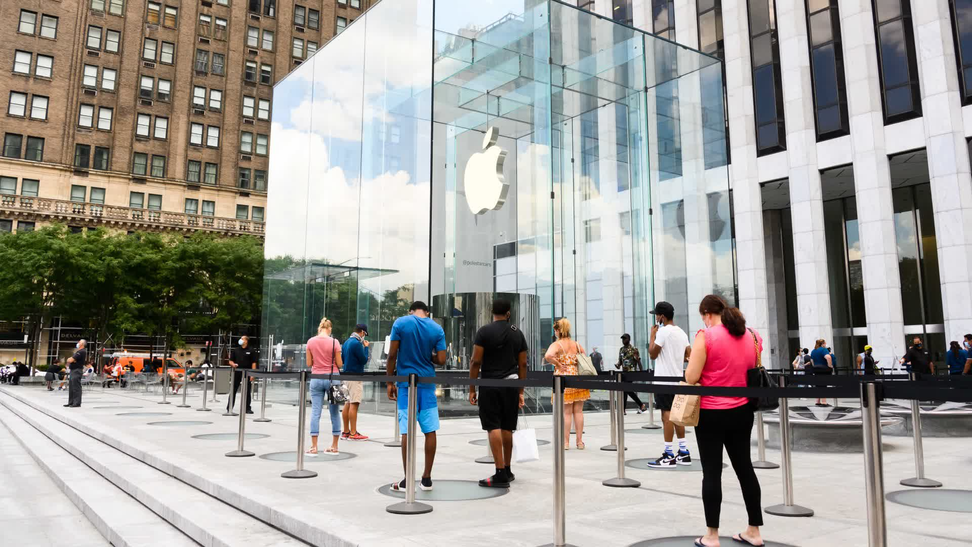 Apple has officially reopened all of its US store locations