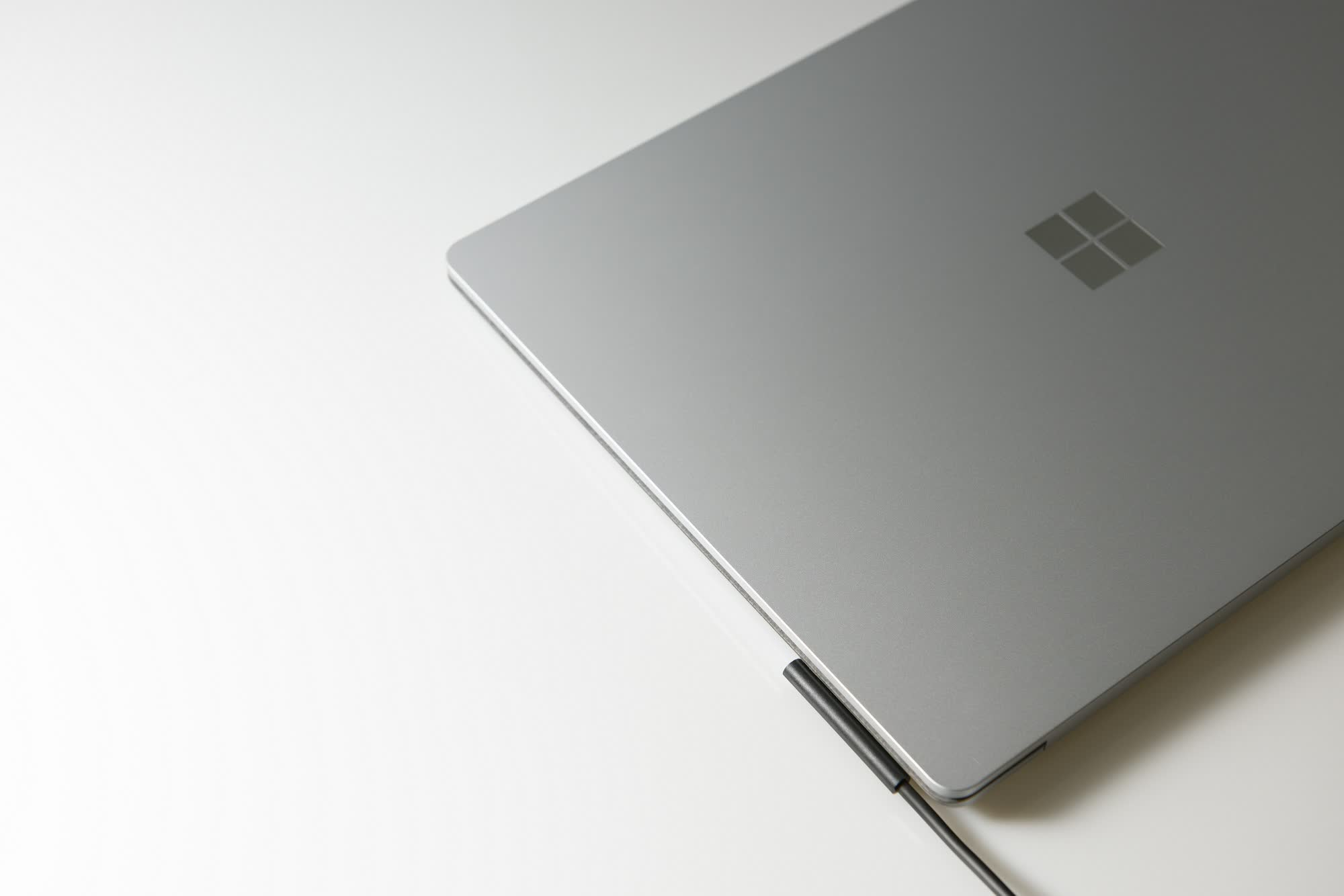 Leaked Microsoft Surface 4 specs show both models will offer AMD and Intel CPUs
