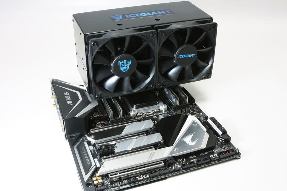 Fan of big CPU air coolers? This one weighs 4.4 pounds