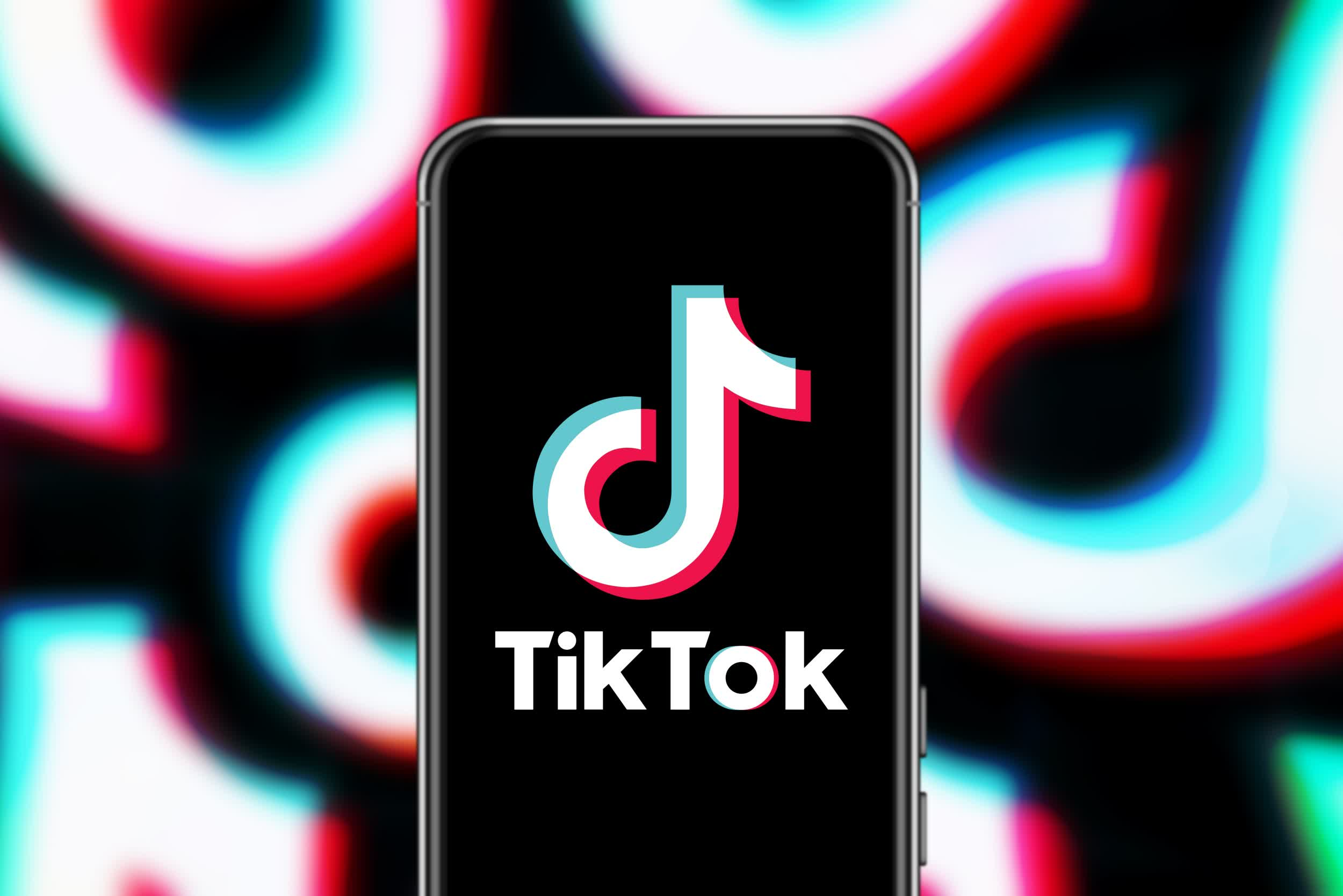 TikTok is approaching the issue of bullying from both sides
