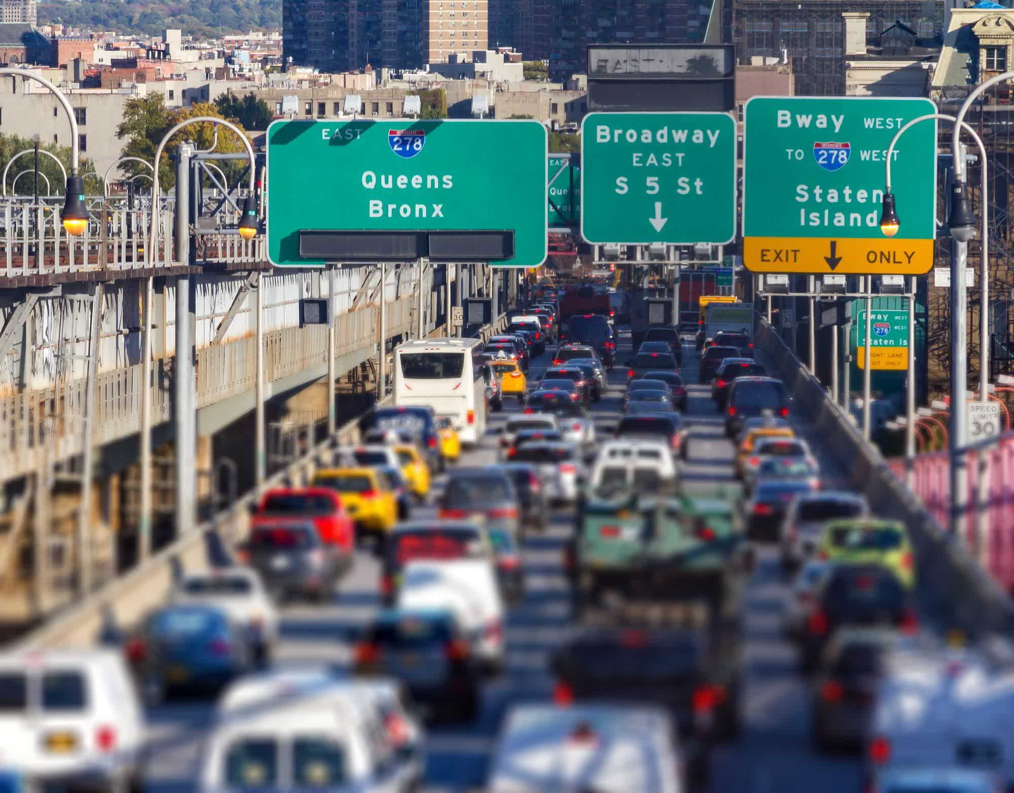 Congestion in U.S. cities fell 50% amid pandemic, saving drivers almost $1,000