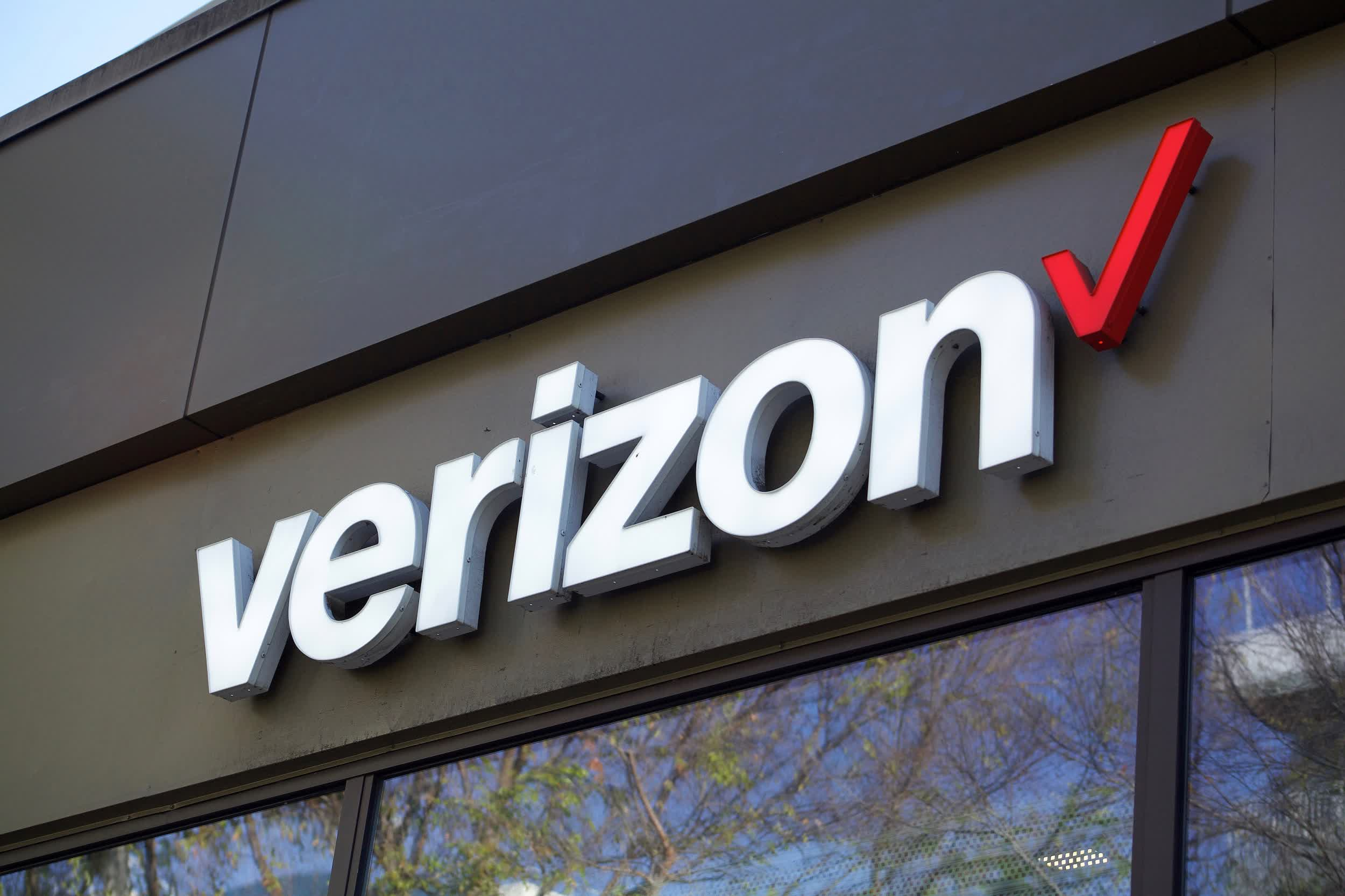 Verizon is offloading AOL and Yahoo for a fraction of what it paid