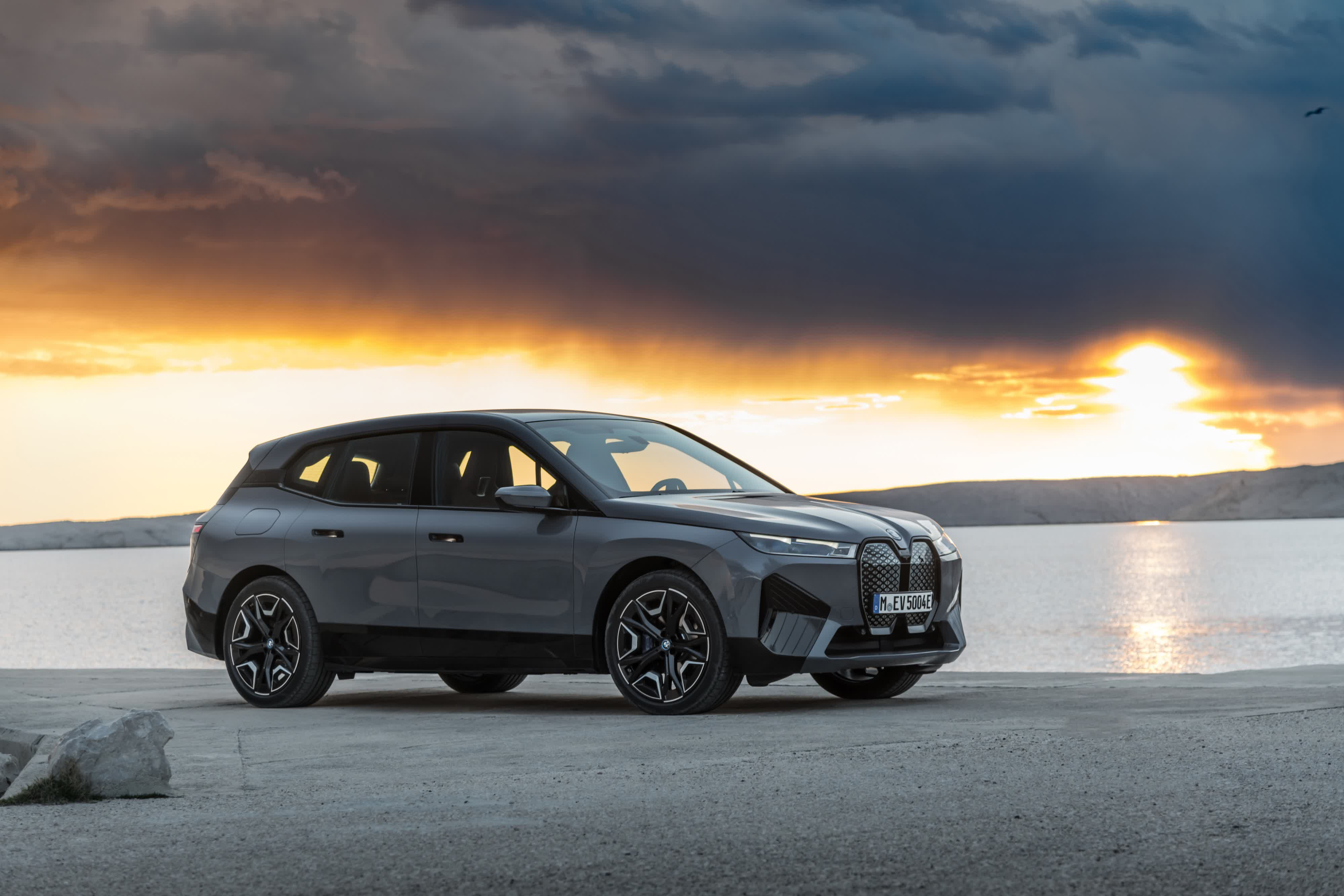 BMW i4 sedan and BMW iX crossover expand pure electric offerings to a broader audience