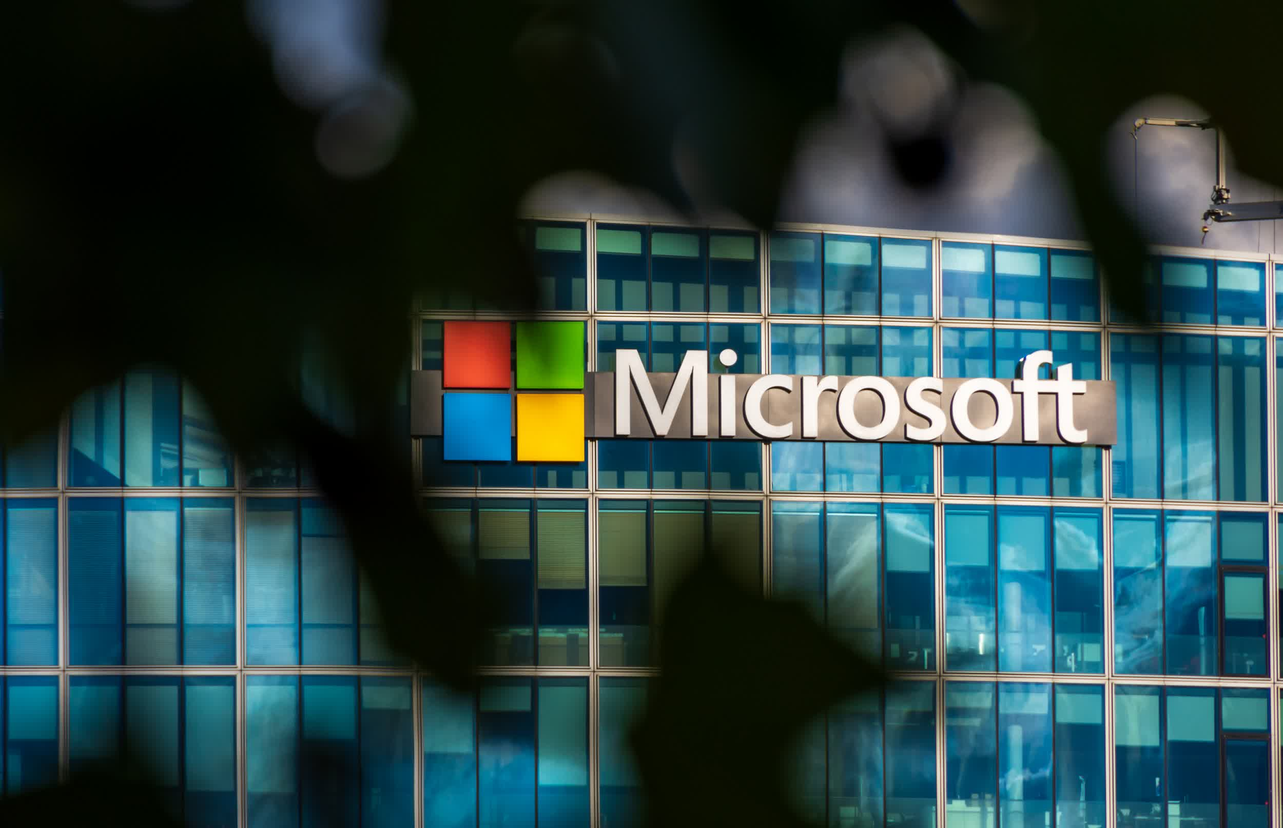 Some Microsoft employees slept in data centers during the pandemic to avoid lockdown