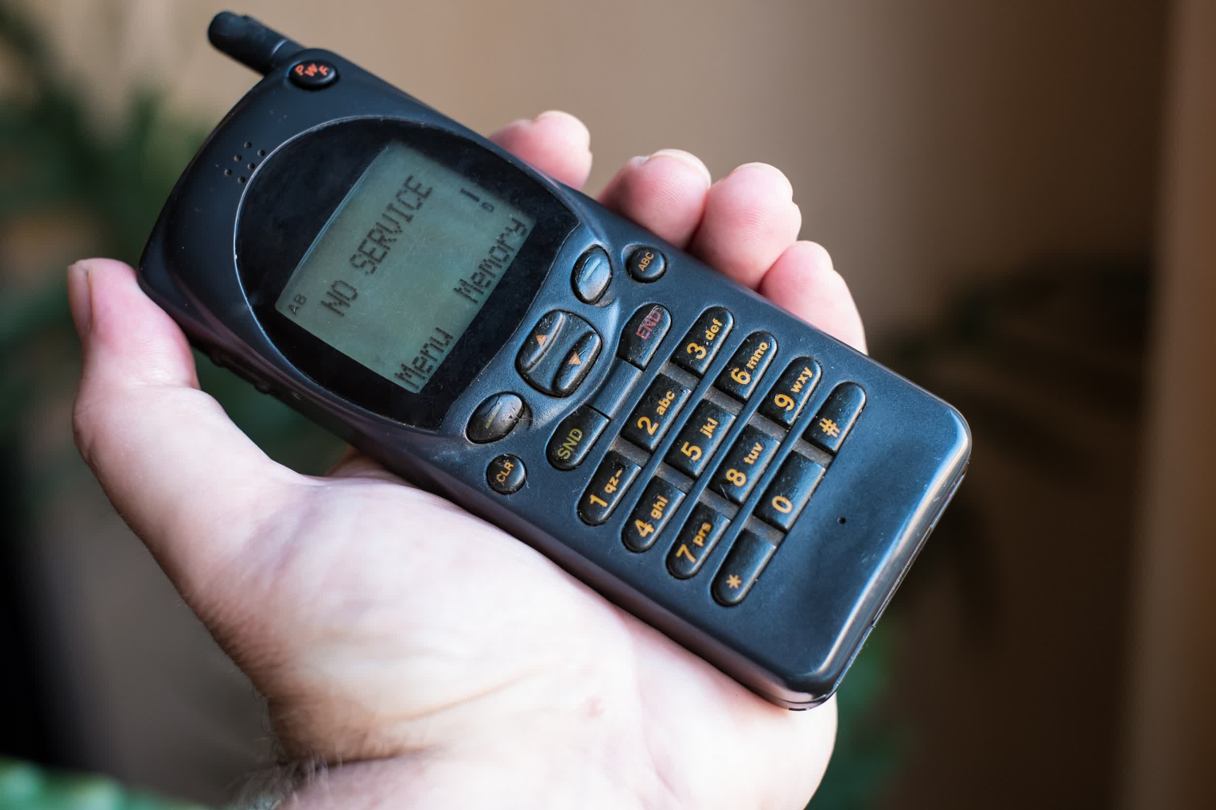 New report finds early cell phone encryption algorithm was intentionally weakened by design