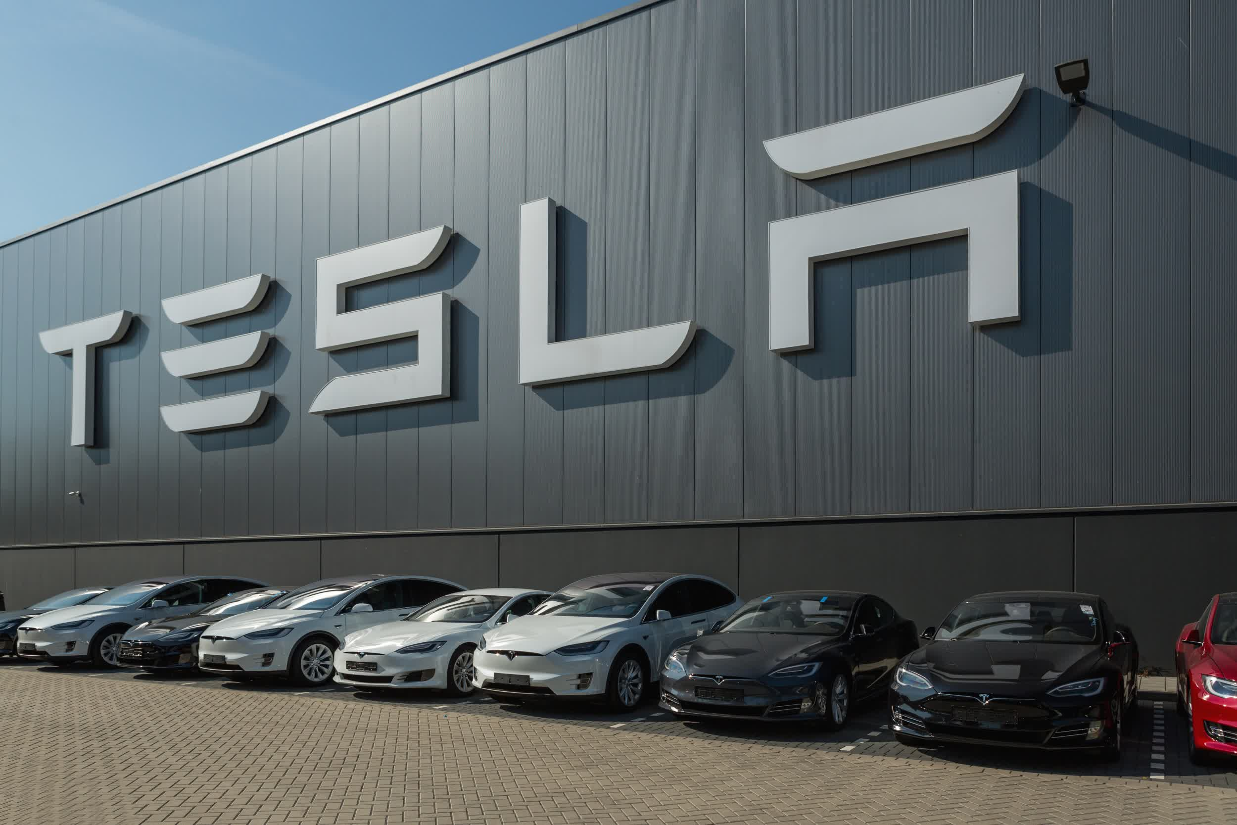 Tesla sets Q2 record with over 200,000 vehicles delivered