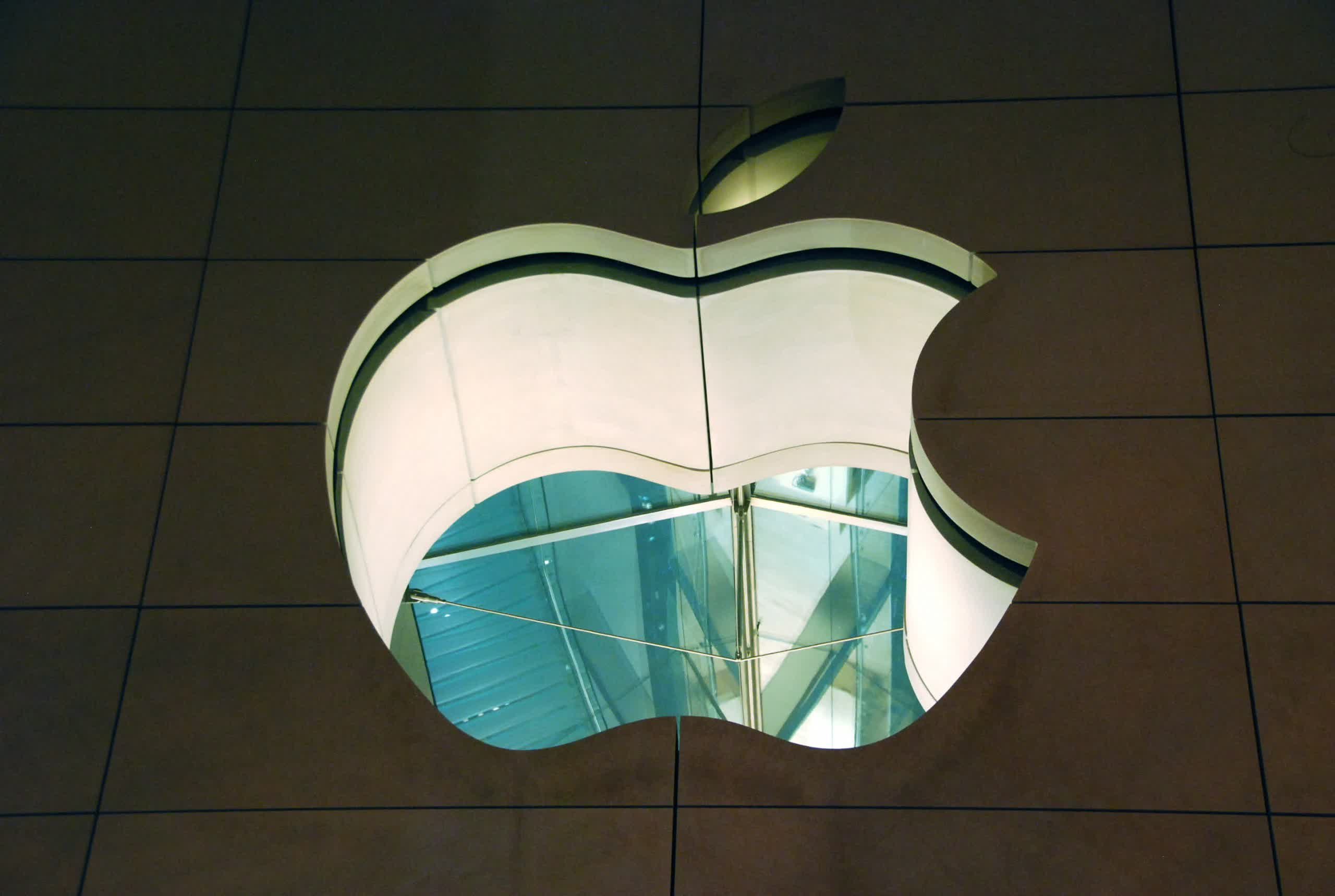 Jury orders Apple to pay $300 million in patent infringement case thumbnail