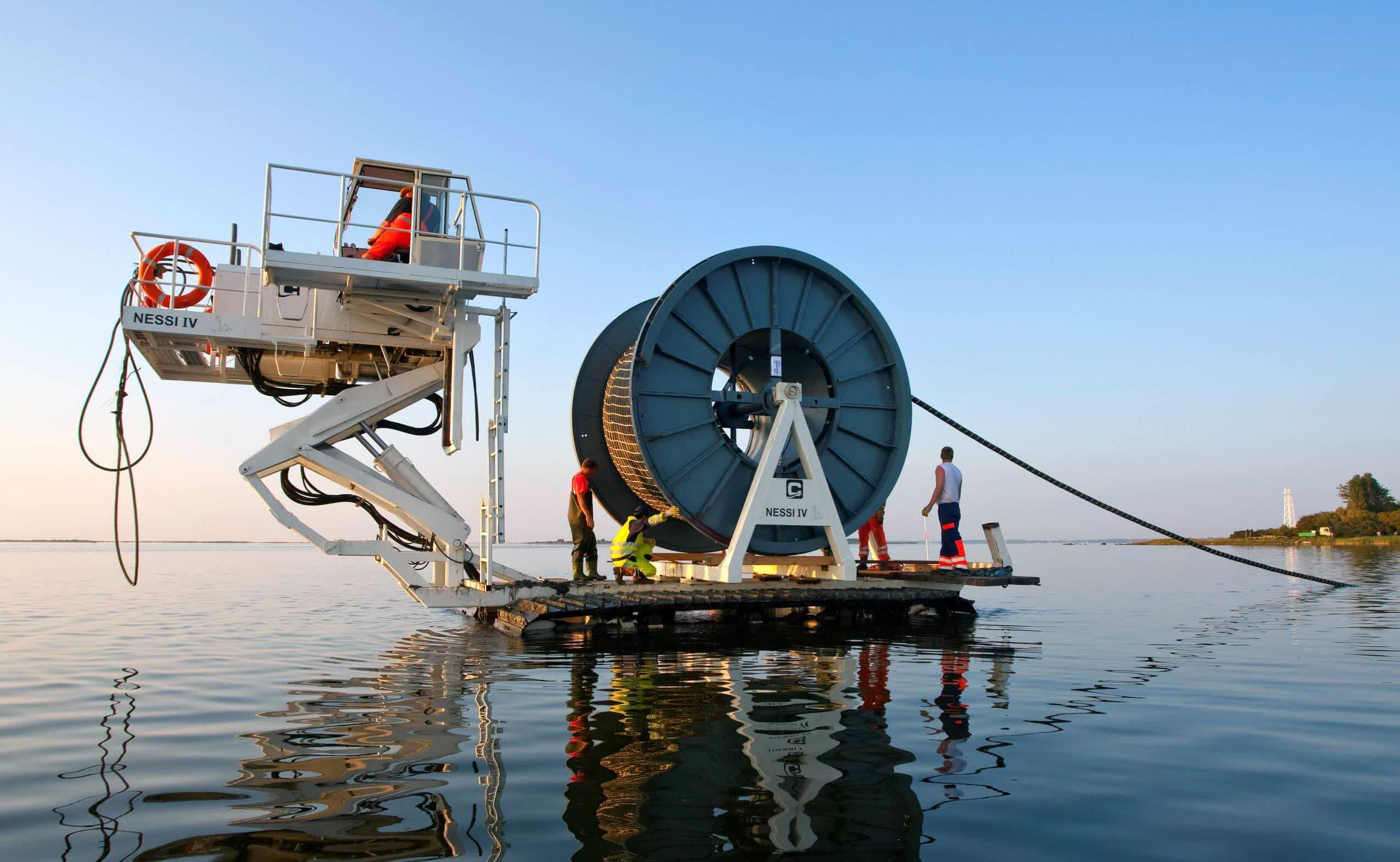 Google and Facebook are building a subsea cable system that will boost Internet connectivity in the Asia-Pacific region