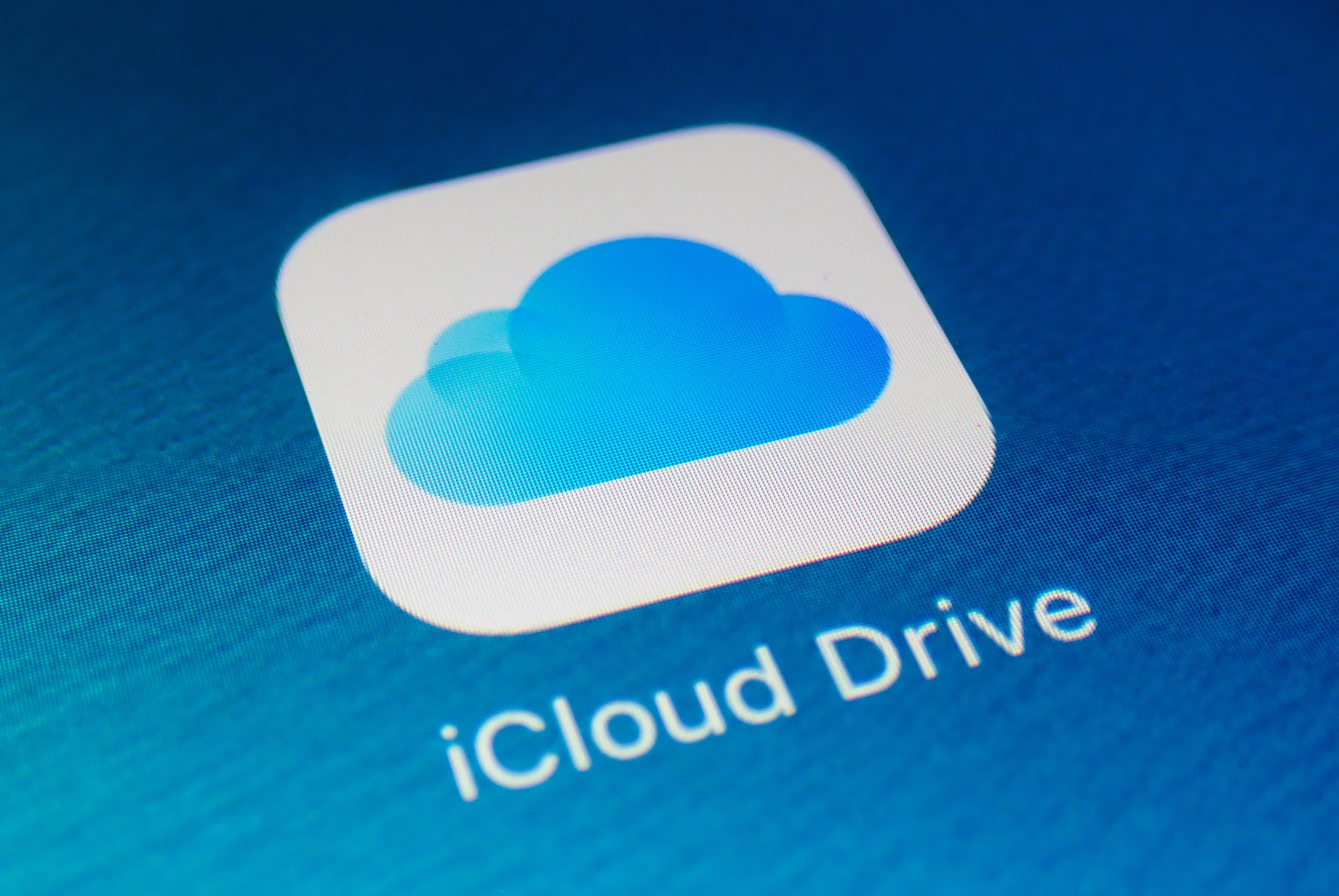 Man posing as Apple support rep scoured hundreds of iCloud accounts for nude images
