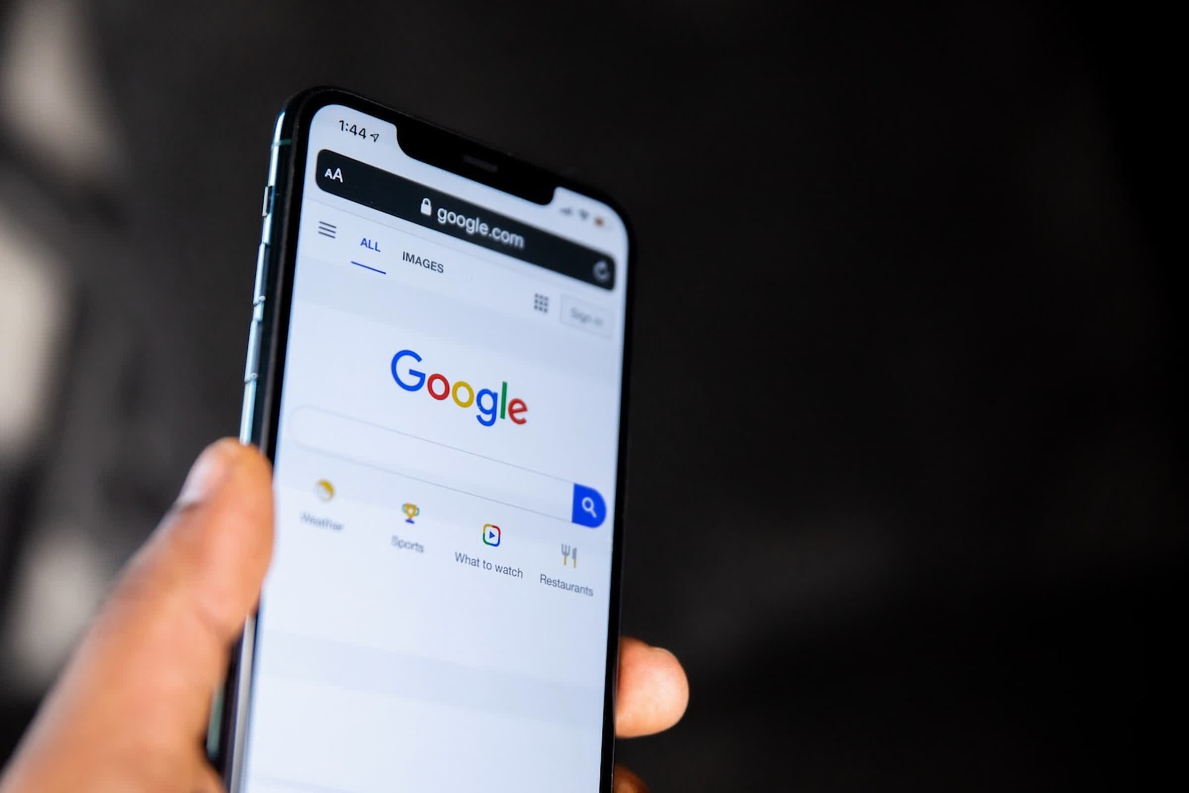 Google could pay Apple nearly $15 billion this year to remain the default search engine on iOS
