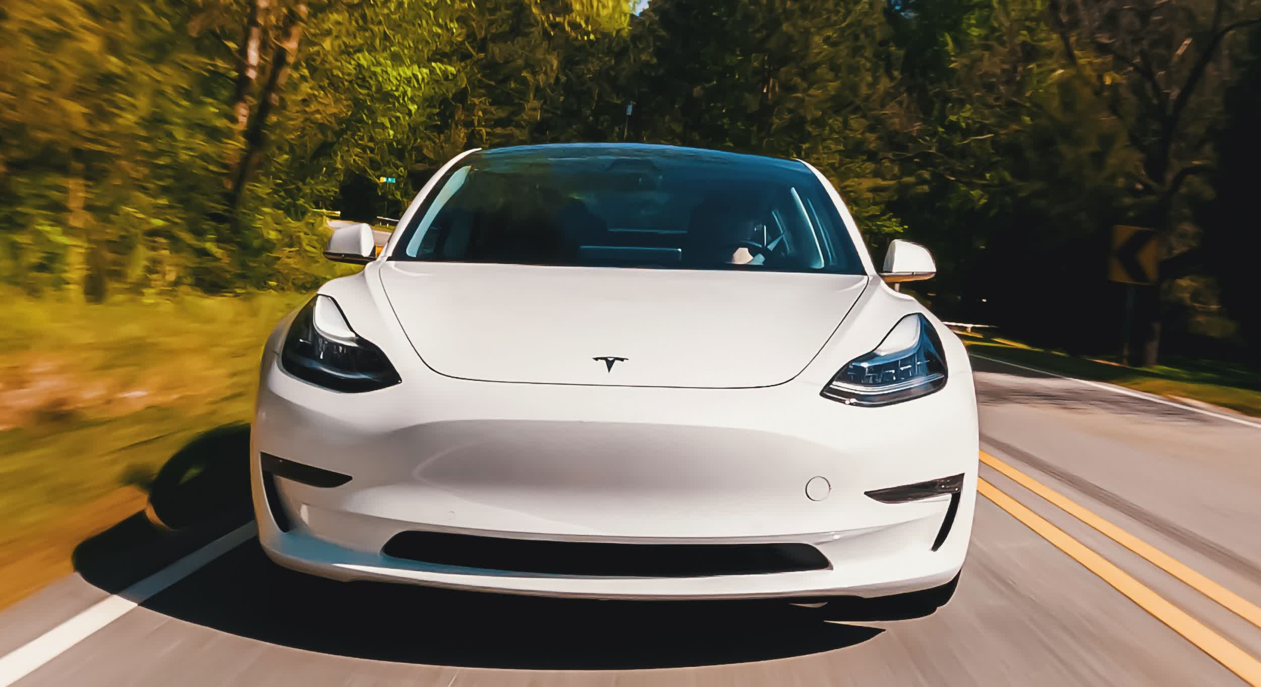 A new study suggests Tesla drivers tend to be more distracted when autopilot is enabled