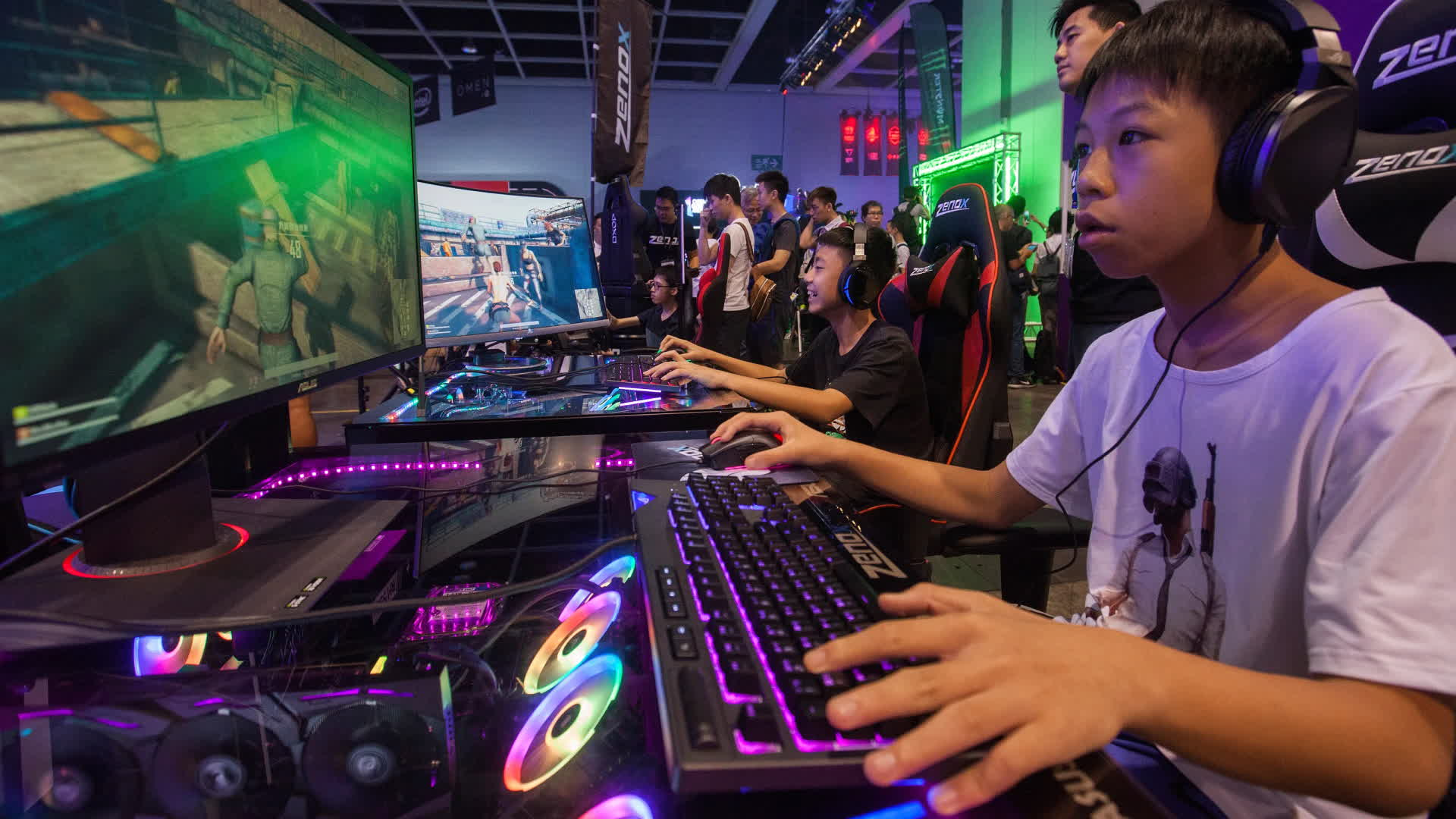 China bans children under 16 from livestreaming