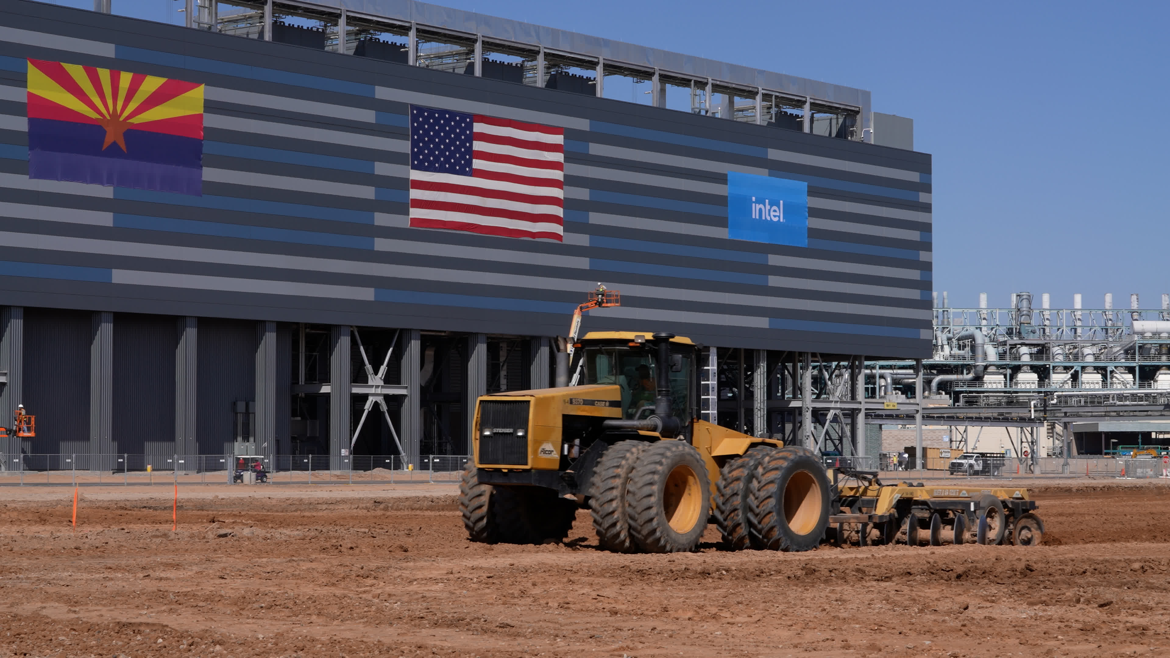 Intel breaks ground on two advanced chip fabs in Arizona