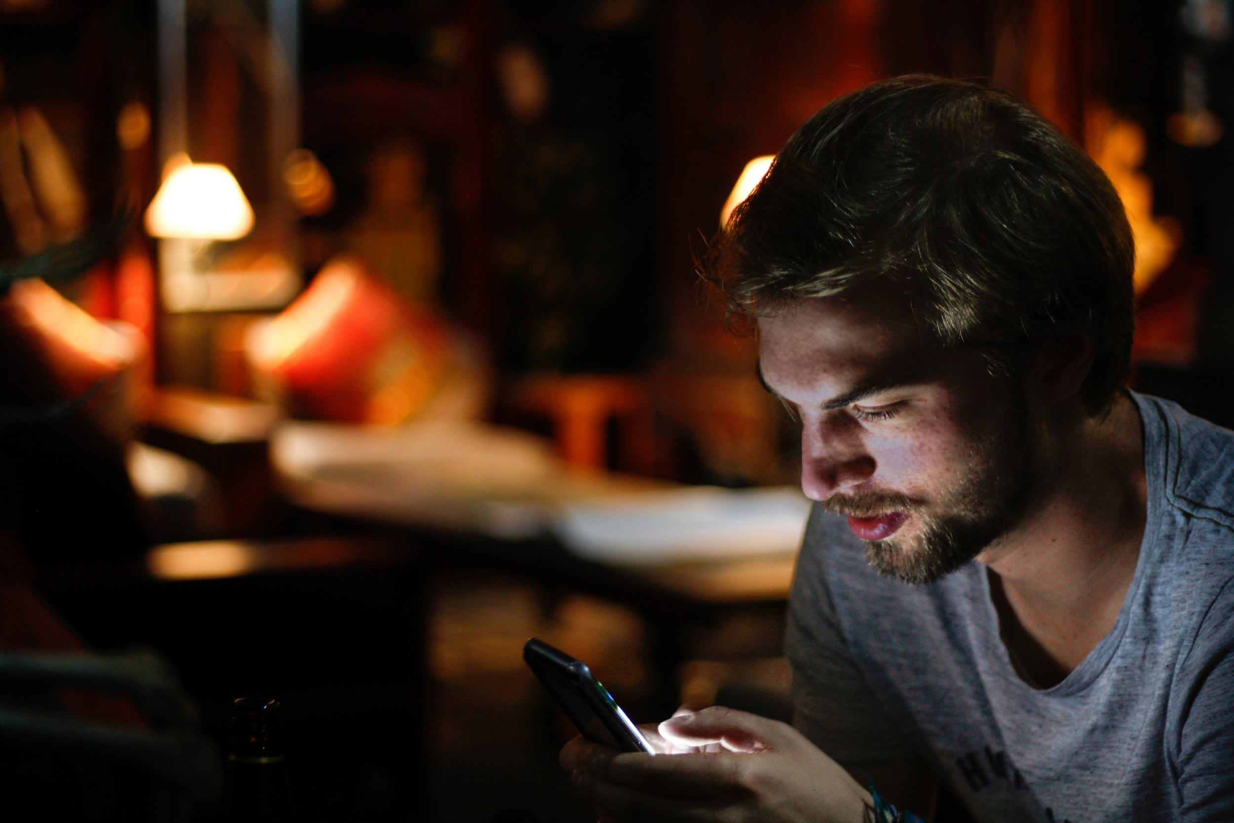Major SMS routing company admits it had been hacked for five years