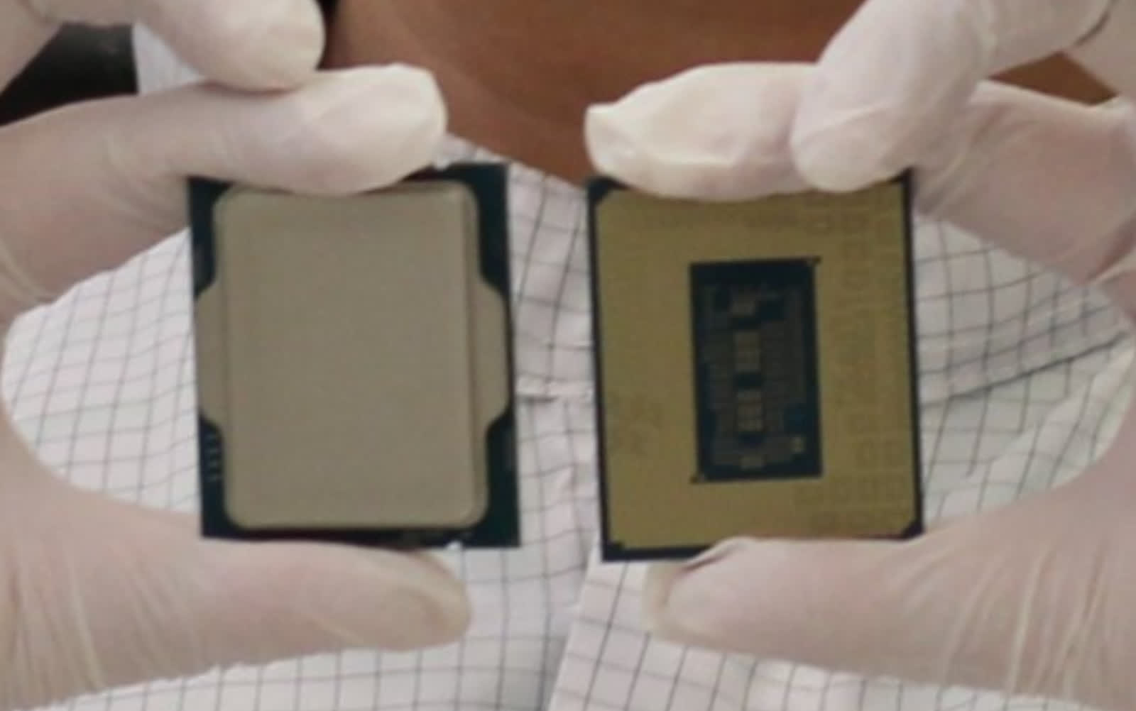 Intel Alder Lake CPU showcased in first official picture