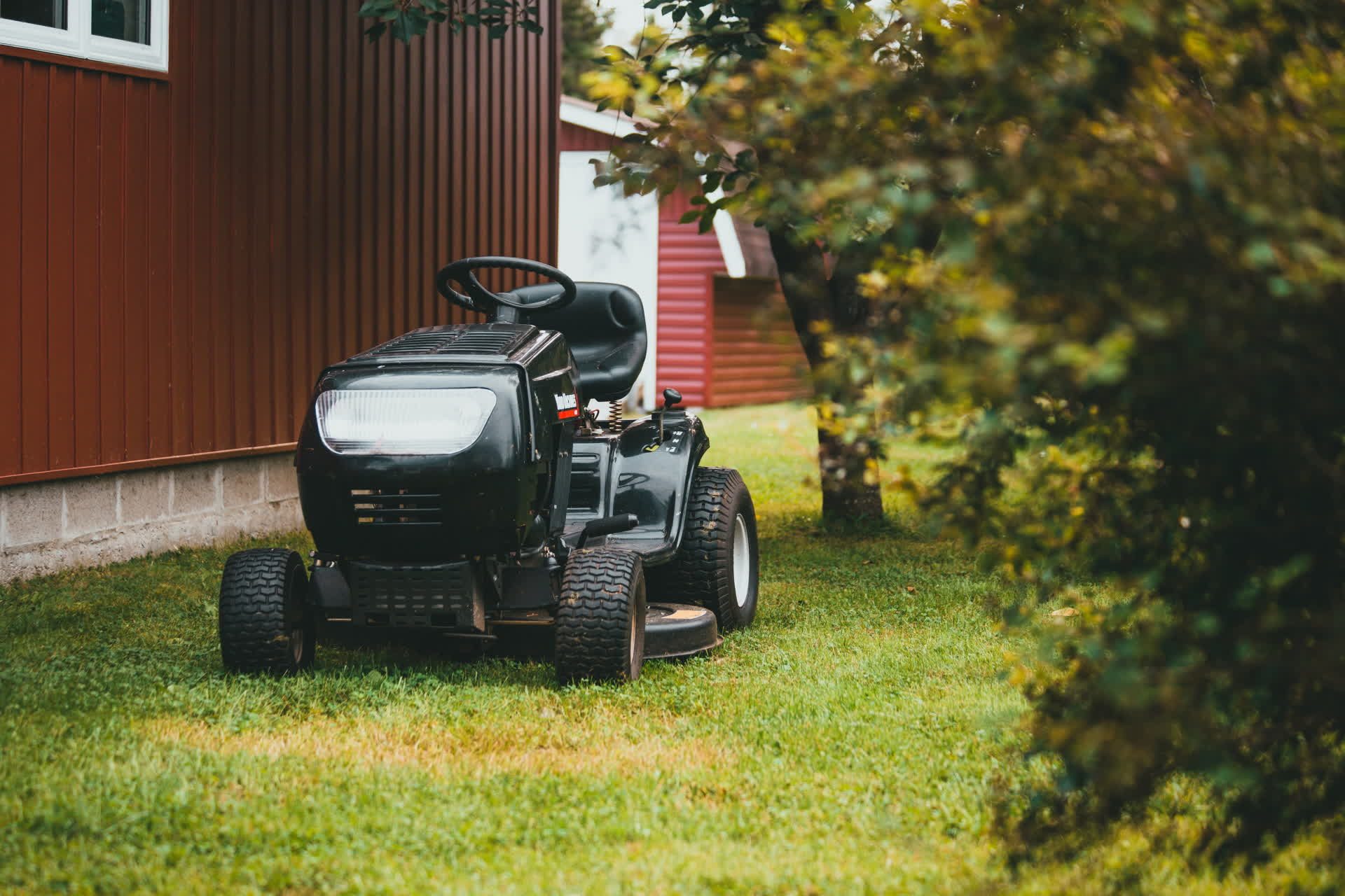 California bill may restrict the sale of gas-guzzling lawnmowers and generators in 2024