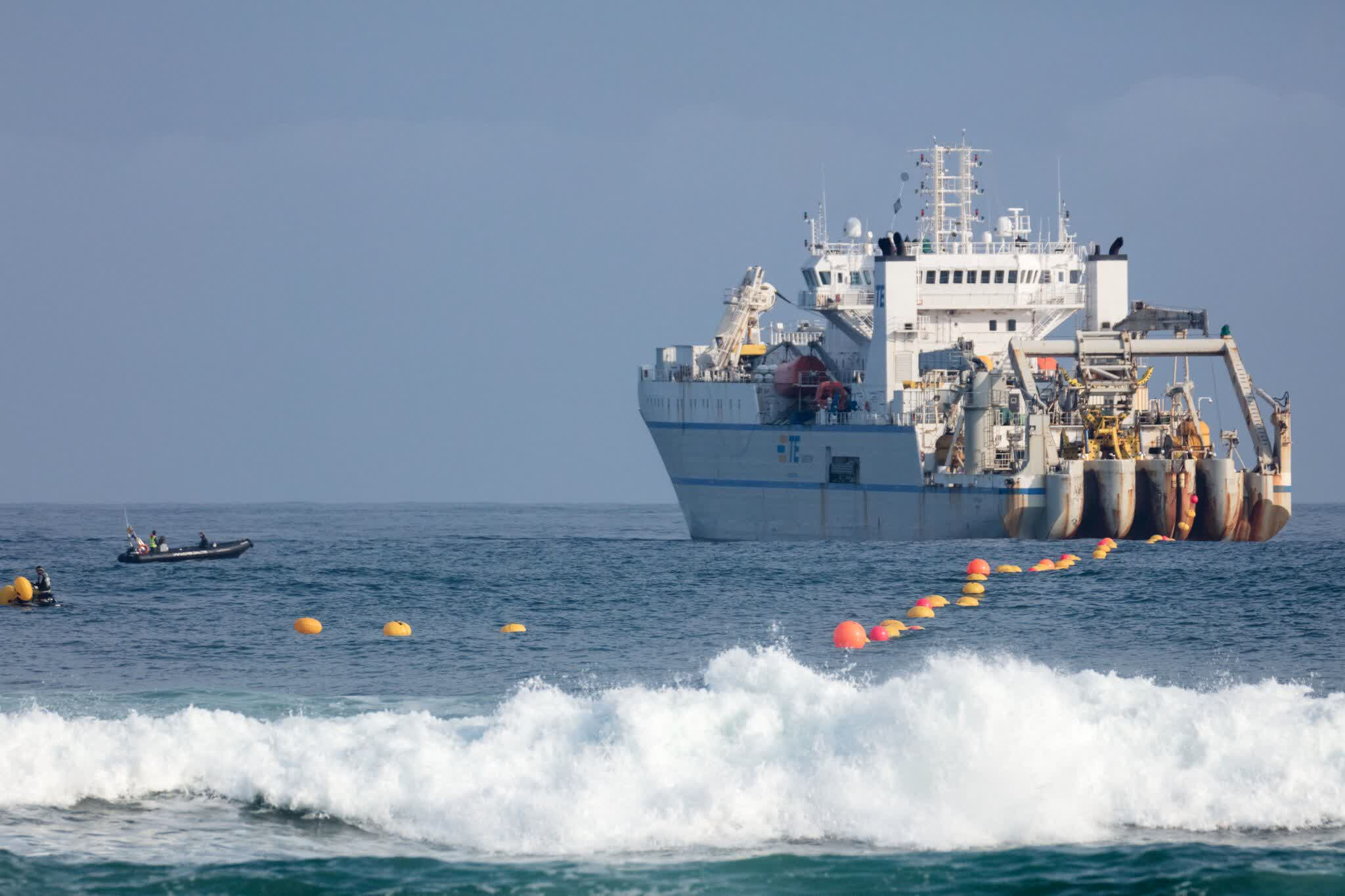Facebook hires NEC to build a subsea fiber-optic cable between Europe and the US