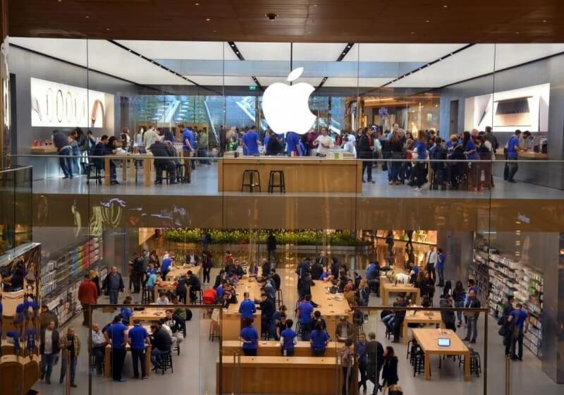 Apple store worker fired for sending customer's intimate photo to his own phone