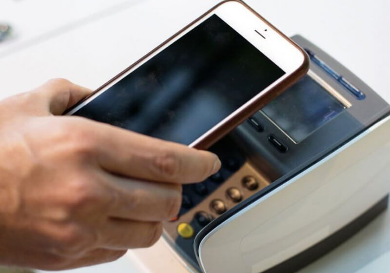 The pros and cons of mobile payments