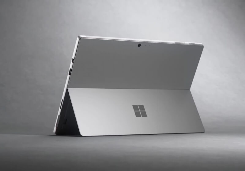 Analyst still believes Microsoft will kill the Surface line next year