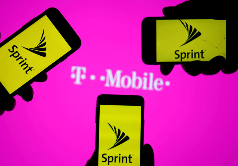 FCC votes along party lines to approve Sprint / T-Mobile merger